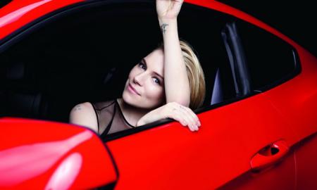 Ford Mustang Sienna Miller
