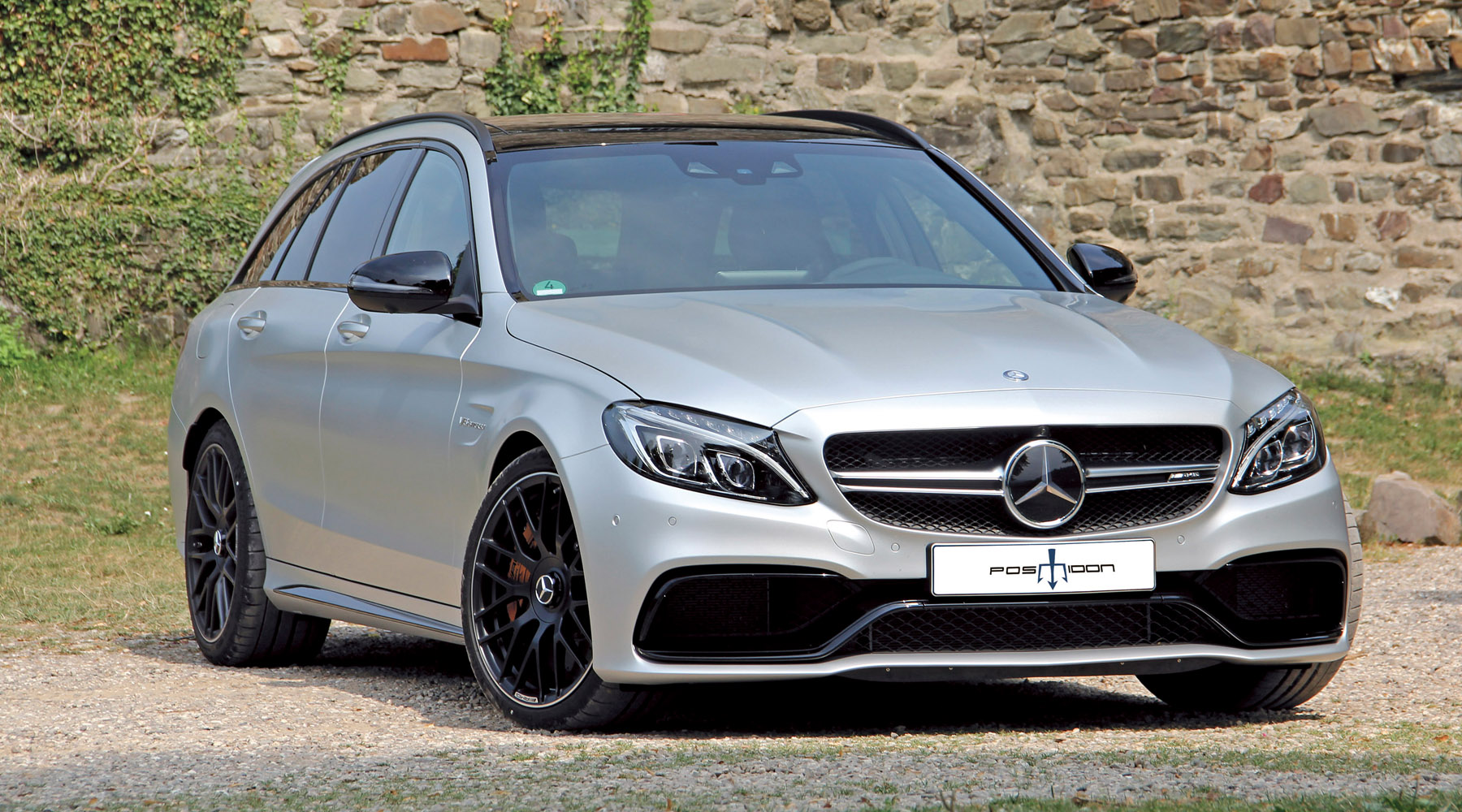 1-posaidon-mercedes-benz-amg-c63-station-wagon