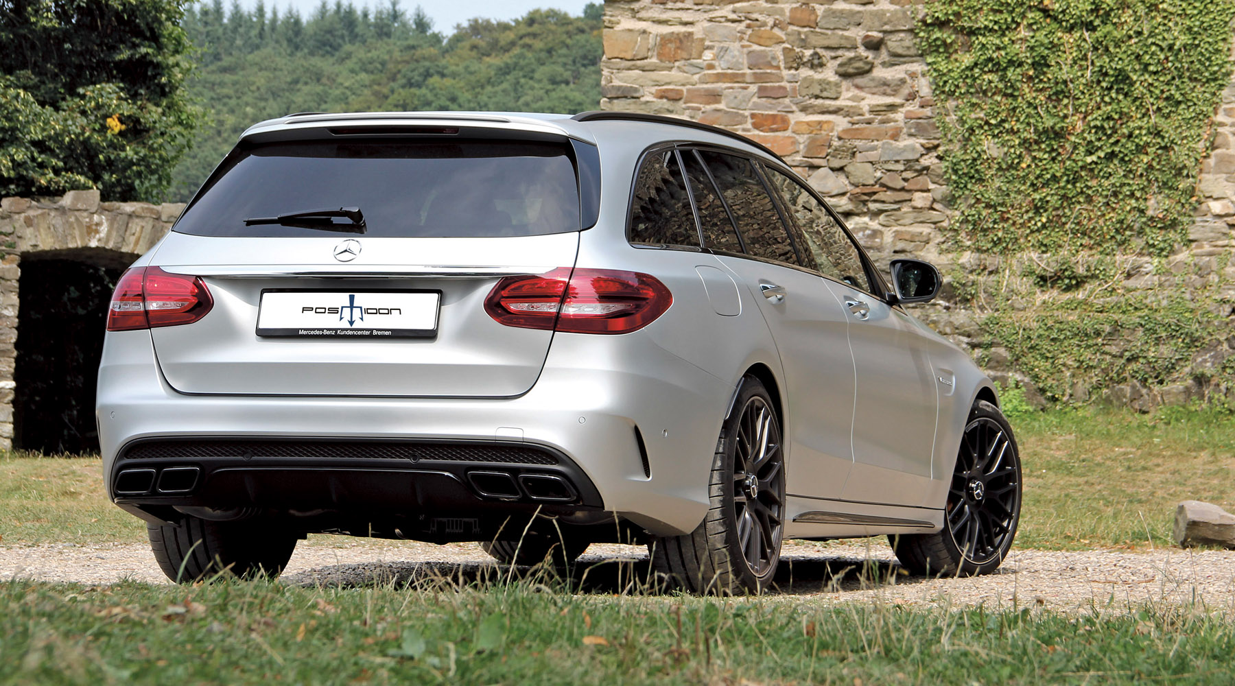 2-posaidon-mercedes-benz-amg-c63-station-wagon