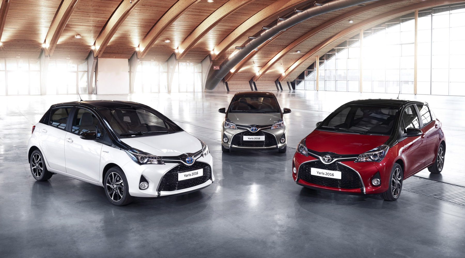 Toyota Yaris Hybrid X-Trend